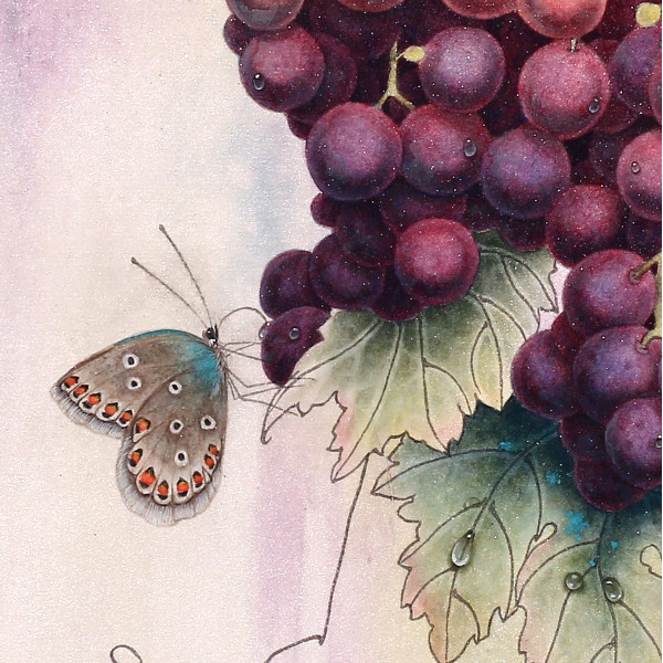 ВИНОГРАД И БАБОЧКА. RED GRAPES AND BUTTERFLY
